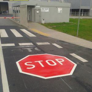 znak stop z masy termoplastycznej