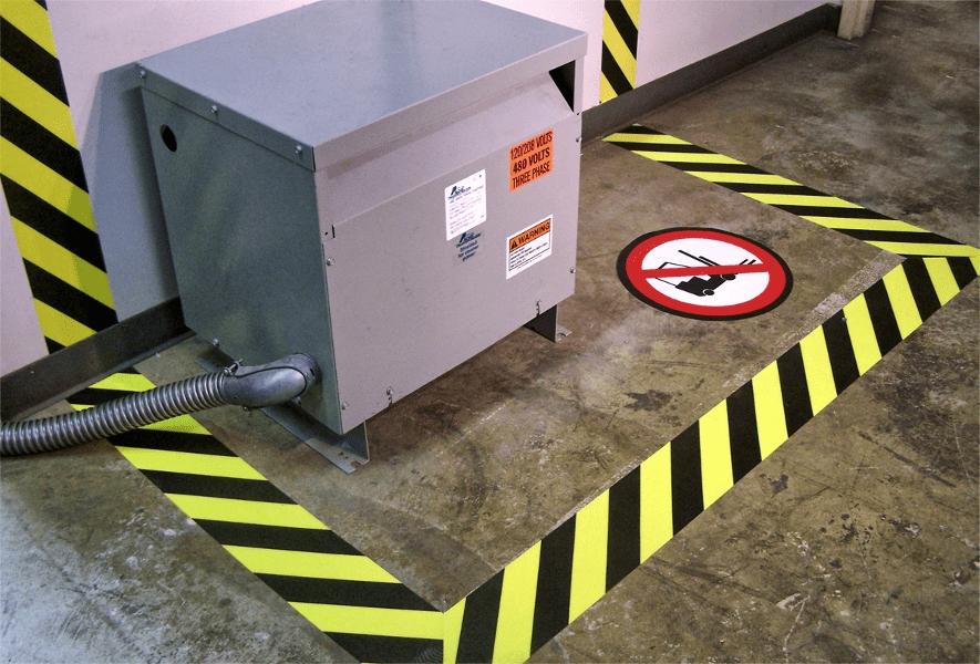 1-Taśma-podłogowa-żółto-czarna-ostrzegawcza-min