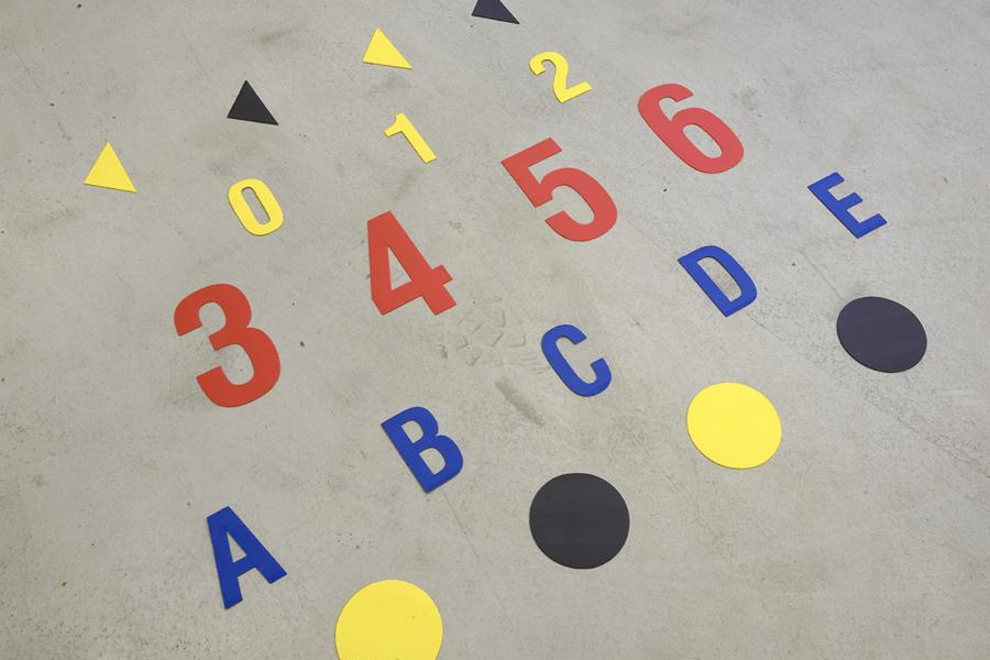 1 Znaczniki do znakowania podłóg litery i cyfry-min