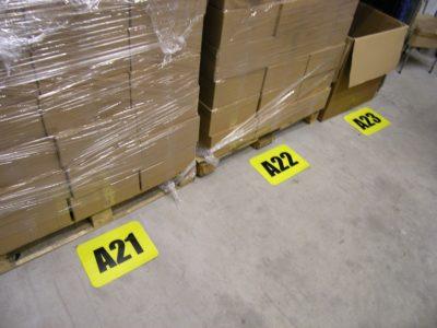 znaki podlogowe, etykiety podłogowe