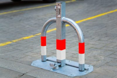 blokada parkingowa metalowa