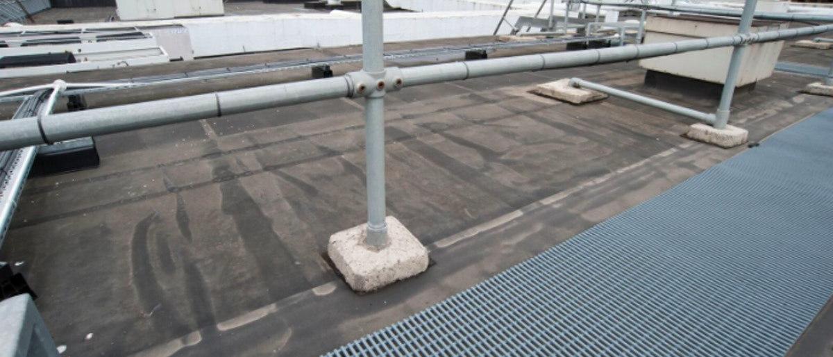 zabezpieczanie membrany dachowej, osłona dachu, ciągi na dachach, mata na dach, mata dachowa
