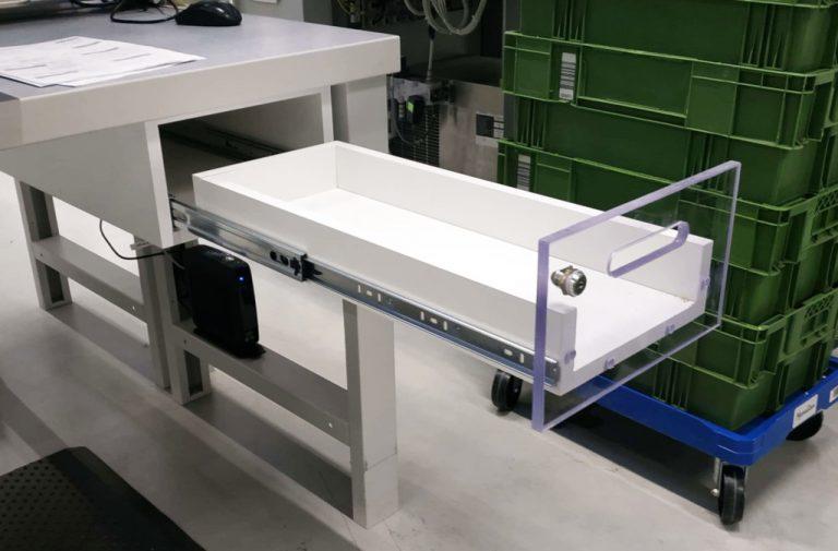 szuflada narzędziowa podblatowa, szuflada podblatowa na narzędzia, szuflada do stołu roboczego, szuflada robocza na narzędzia, szuflada do stołu montażowego na narzędzia